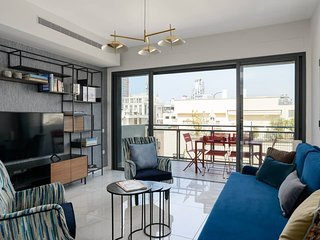 LUXURY & DESIGN  3BDR APARTMENT -  STEPS TO GAZOZ BEACH - GEULA ST