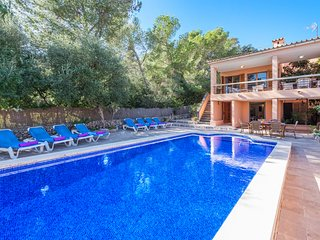 Perfect holiday home 'Pinsa' sleeps 6 perfectly equipped and private pool