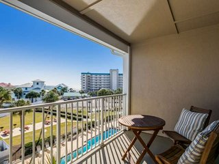 Top floor! Beautiful beach views, steps to the Gulf of Mexico & pool! Relax, fee