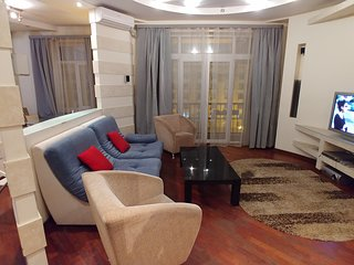 Two bedrooms 13 Khreshchatyk str, Maidan