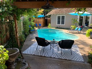 California Bungalow w/Pool Sleeps 6 near San Francisco, Yosemite & Wine Country