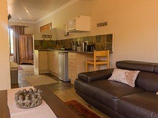 Romeo Apartment Six