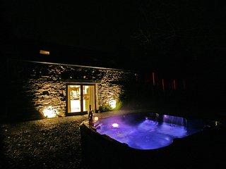 Sunridge Lodge, Luxury Self Catering Accommodation with Hot Tub & Fishing