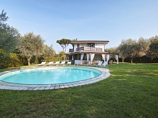 Villa Grazia: elegant single villa + private pool