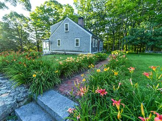 Restored 1821 Cape Cod charm, lake and mountain views, modern amenities