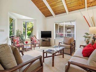 Homey Suite w/Fairway View Lanai, Kitchen+Laundry Ease, WiFi, Flat Screen