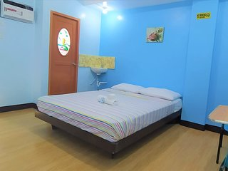 JB Valdres Apartment 3A - Awesome Stay Near NAIA FREE WIFI
