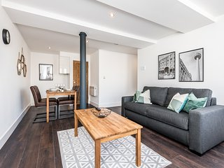 Cosy Cavern Qrtr Apartment - Newly Renovated 2020!