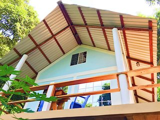 HiUP Treehouses - Private A-Frame Loft Oceanview Cabin