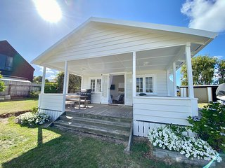 The Taupo Cottage - Taupo Holiday Home, Two Mile Bay