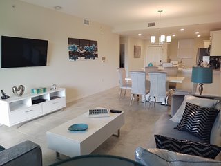 NEW SPECIAL OFFER!!! MIRROR - Brand New Condo!!  (5 Min Disney and Outlets)
