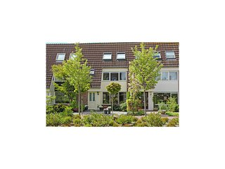 Nice home in Castricum w/ 3 Bedrooms (HNH003)