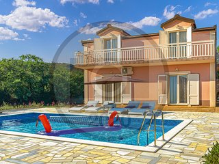 Amazing home in Poljica Imotska w/ Outdoor swimming pool and 4 Bedrooms (CDC556)