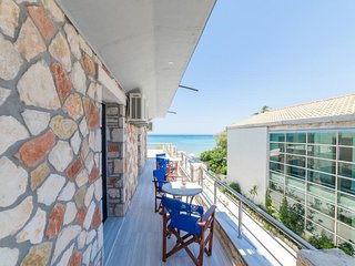 Superior Room with Sea View - Golden Dolphin Studios