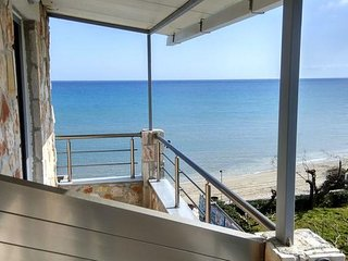 Double Room with Sea View - Golden Dolphin Studios