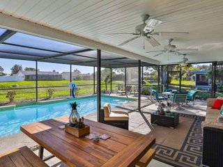 Private Pool, WIFI/Cable, Close to Anna Maria Island Beaches, Restaurants and sh