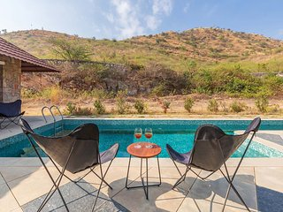 Shivnandani Farms by Vista Rooms