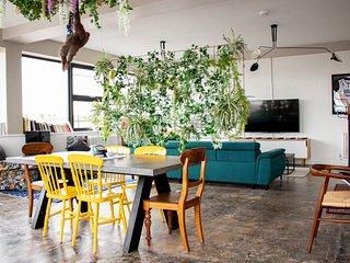 Quirky & Unique cosmopolitan Apartment in Central Loughborough