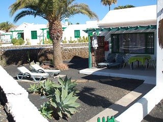 SPECIAL BARGAIN antiCOVID PRICES in Matagorda firstline aircon WiFi safe terrace