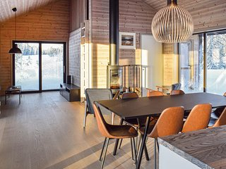 Stunning home in Lillehammer w/ 3 Bedrooms (N31921)