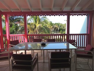 4 BEDROOMS APPARTMENT CLOSE TO THE BEACH IN ORIENT BAY VILLAGE