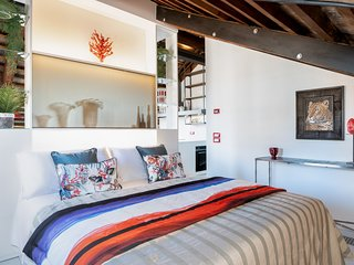 CoraLoft with stunning view modern and luxurious apartment(best area in Venice)