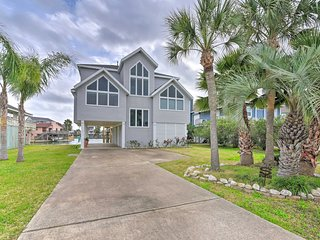 NEW! Updated Home on a Wide Canal - Near the Bay!