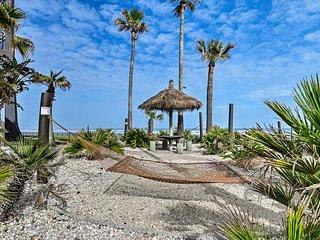 NEW! Daytona Beach Shores Condo w/ Pool Access!