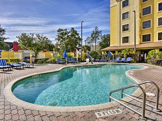 NEW! Orlando Condo w/ Pool ~2 Miles to Universal!