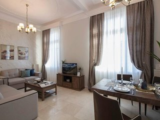 InCityBnB - VISTA Deluxe Neoclassic Double Suite with city view