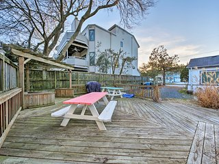 NEW! Coastal Cottage Escape w/Deck - Walk to Beach