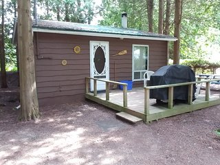 Cedars of Lake Eugenia-Cottage 8- Orange Cottage