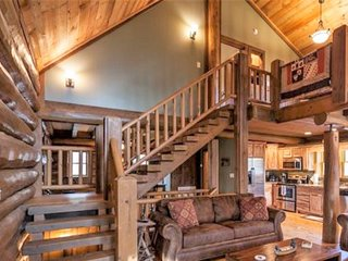 A Cozy Canadian Log Cabin