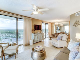 Large beachfront condo w/views from private balcony and shared hot tub & pool
