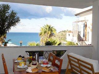 Appartamento in villa a 350 mt dal mare splendida vista sulla baia Med'3