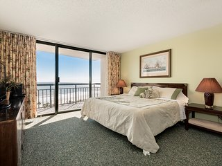 Gorgeous beach view condo w/ shared pool, sauna & fitness room!