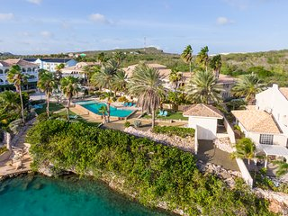 Palms & Pools Luxury apartment at Curacao Ocean Resort 5*