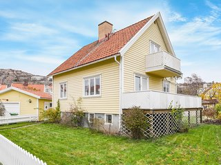 Awesome home in Fjällbacka w/ 3 Bedrooms (S54223)