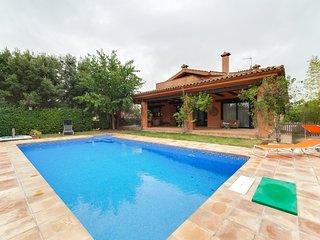 Villa Montserrat 600m2 habitables. Jardín con piscina y barbacoa