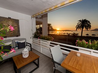 Stylish apartment Sivella with outstanding sea view close to everything you need