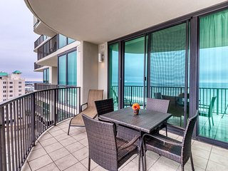 Gulf front condo w/ stunning views, shared pools, hot tubs, & indoor tennis