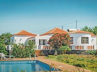 Verzorgd vakantiehuis met zoutwaterzwembad (EPA203)