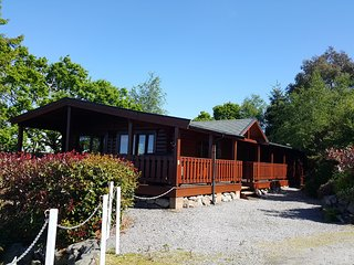 Luxury Alpine Lodge, Kippford, Dalbeattie - Stunning views 2 Dogs Welcome