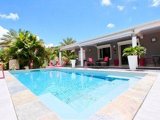 Soupcon de paradis, villa standing piscine privé, 4 à 6 pers