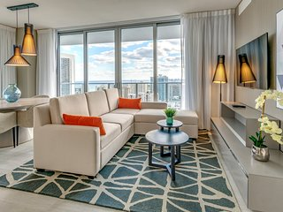 NEW 2019 CORNER SUITE OCEAN VIEW, 18th Floor!