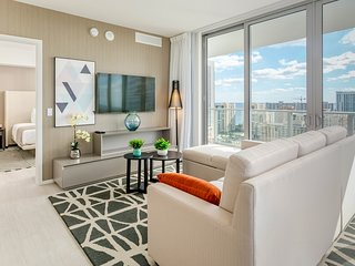 2019 New HydeHouse SW 3BR CORNER SUITE +14TH Floor