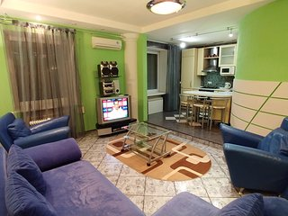 Two bedrooms 1 Darvina str Bessarabskyi market
