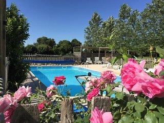 Le Tilleul - Luxury 3 Bedroom Barn Conversion - Onsite Swimming Pool