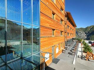 Swisspeak Resorts combi