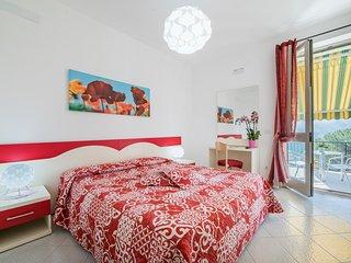Poppy room (Albachiara guest house)... trekking on Amalfi coast